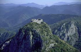 El castillo de Montsegur (monte seguro) fortaleza- santuario del los Cátaros.